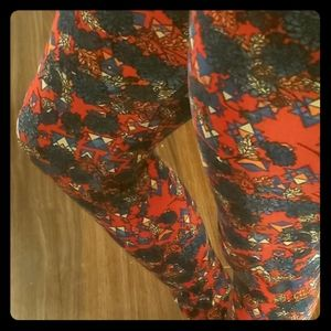 LuLaRoe Pants - Floral leggings